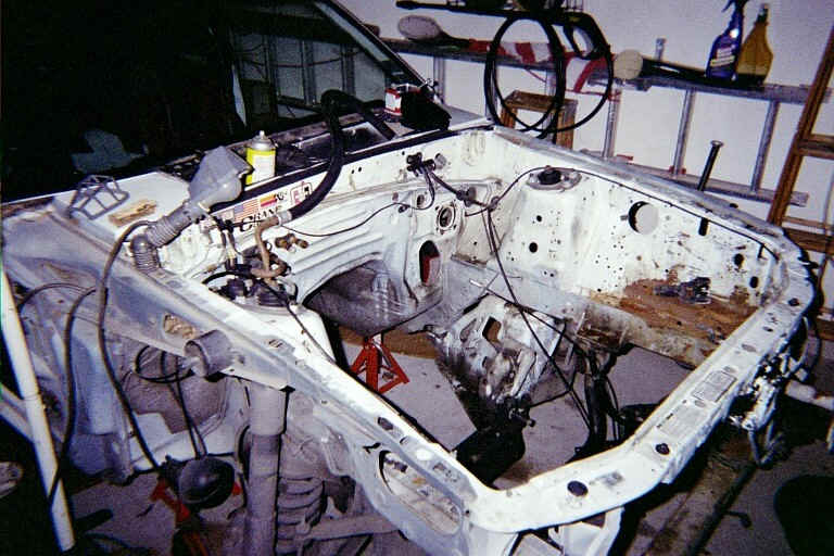 2003.sept.engineCompartment